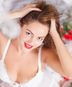 Marinette call girl in Kinnelon and nuru massage