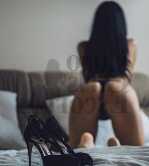 Rose-hélène erotic massage in Greenfield