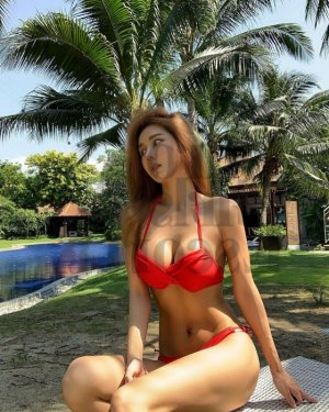Deline erotic massage & live escort