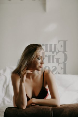Coco escort in Rosedale