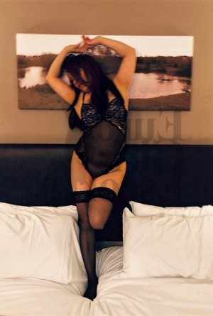 Anne-sophie thai massage in Baker, live escort