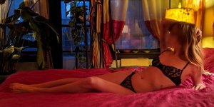 Laurence-marie thai massage in Fords and live escort