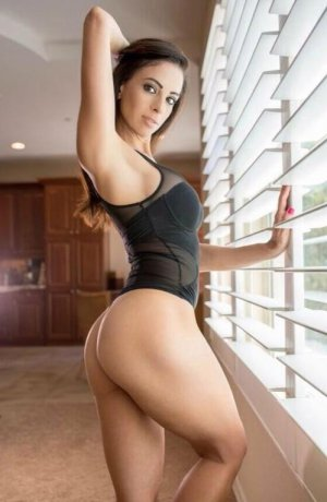 Syna escort in South San Jose Hills, massage parlor